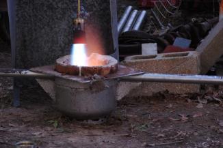 ladle for iron pour pre-heat